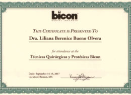 Doctora certificada por la empresa de implantes BICON (Dental Implants) en técnicas quirúrgicas y protésicas mundiales y en implantes cortos realizados en Boston.