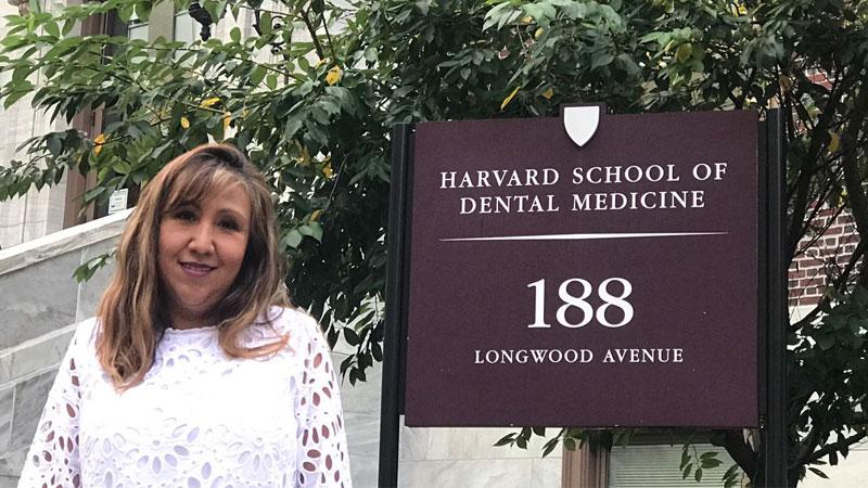 C.D. Liliana Bueno, egresada de la universidad de Harvard, School of Dental Medicine