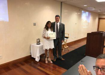 Recibiendo Diploma Bicon Boston